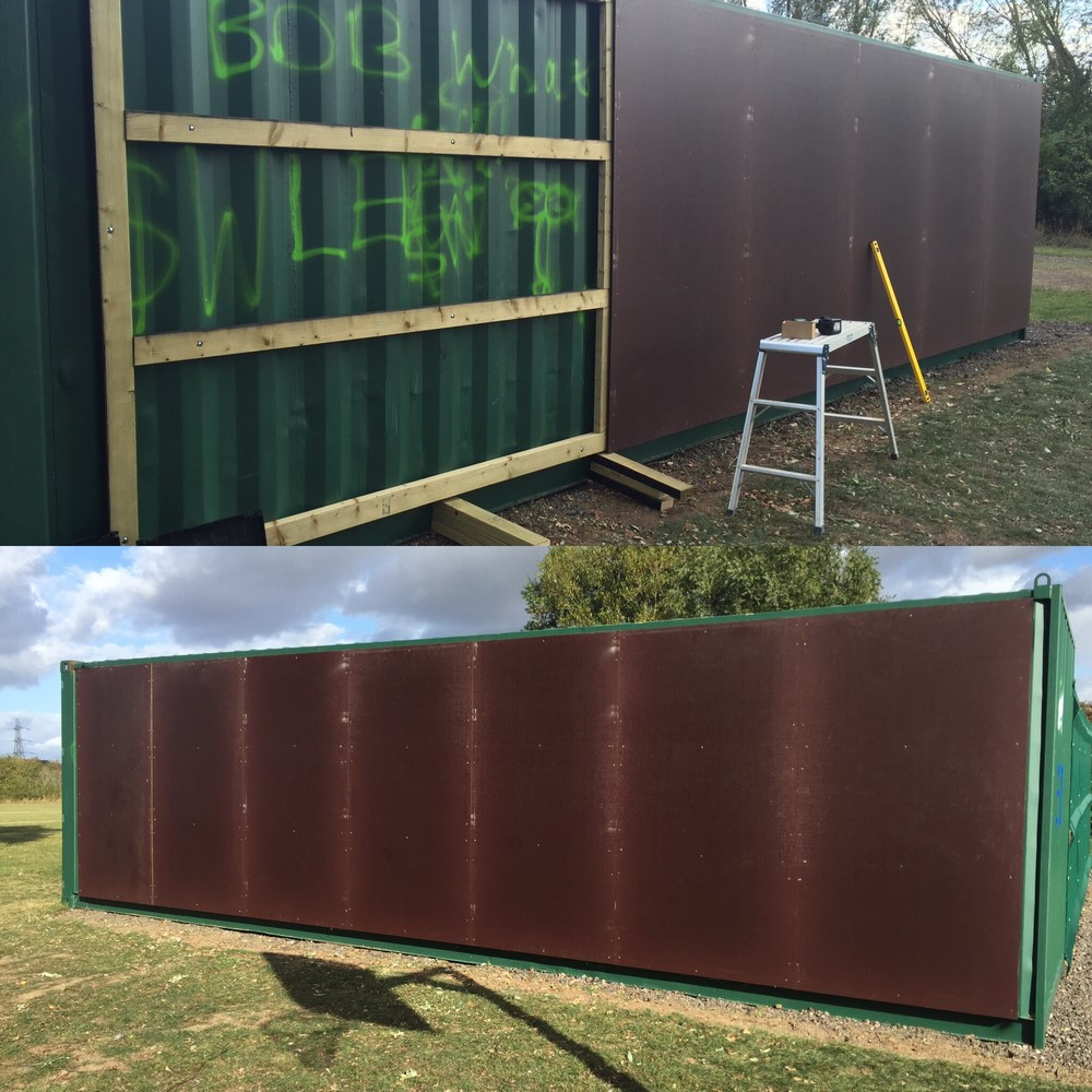 Metal sheet fence